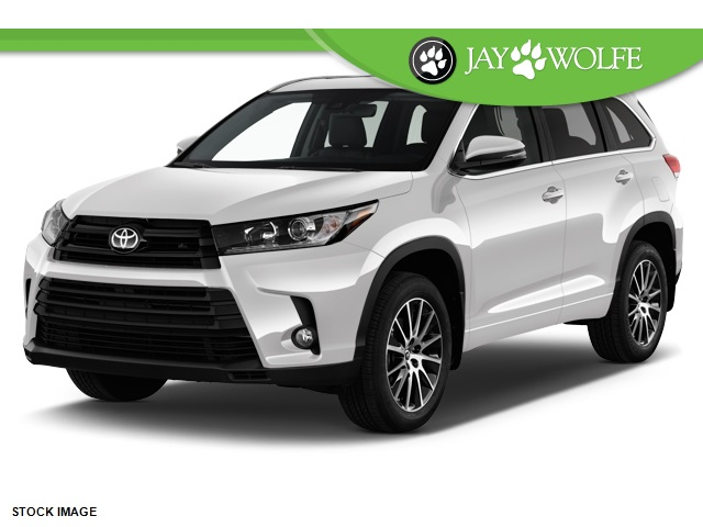 new 2017 toyota highlander se 4d sport utility in kansas city t170476 jay wolfe toyota. Black Bedroom Furniture Sets. Home Design Ideas